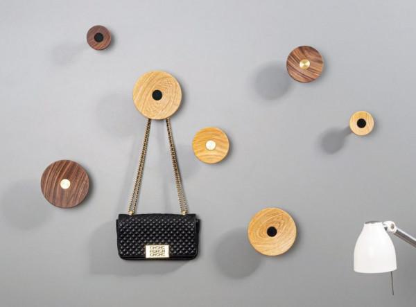 Garderobenhaken ZOOT aus Aluminium & Holz
