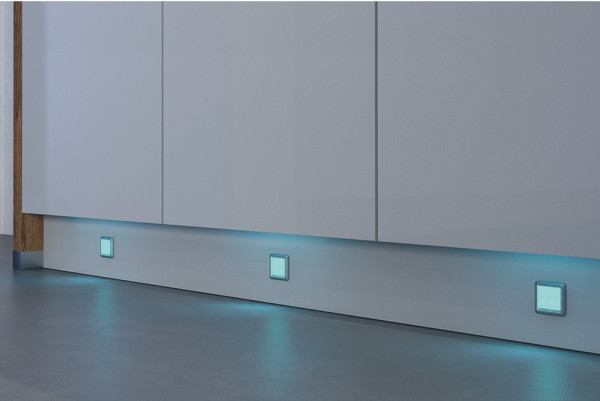 Häfele Unterbauleuchte 12 V RGB Loox LED 2010 quadratisch Farbwechselleuchte